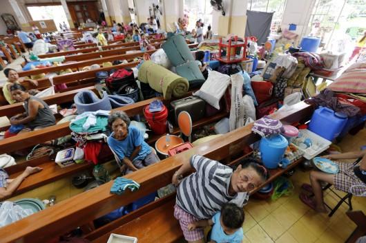 Filipiny - Tajfun Hagupit uderzył we wschodnie wybrzeże 2