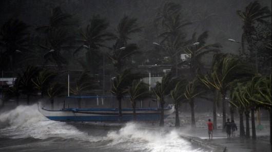 Filipiny - Tajfunu Hagupit zabił już 27 osób 1