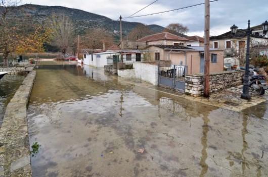 Grecja - Ulewne deszcze zabiły 4 osoby, ogłoszono alarm powodziowy 2