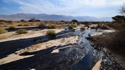 Izrael - Miliony litrów ropy naftowej wylało się z uszkodzonego rurociągu 5
