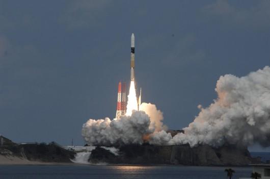 Japonia - Wystartowała rakieta z sondą Hayabusa 2, która wyląduje na asteroidzie