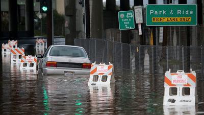 Kalifornia, USA - Zbliżają się ulewne deszcze i huraganowe wiatry 1