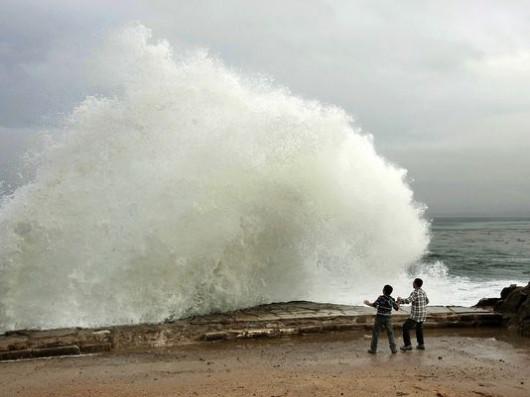 Kalifornia, USA - Zbliżają się ulewne deszcze i huraganowe wiatry 4