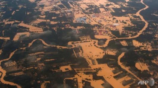 Malezja i Tajlandia - Największa powódź w historii tych krajów, ewakuowano 160 tysięcy osób 1