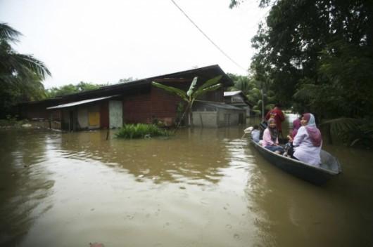 Malezja i Tajlandia - Największa powódź w historii tych krajów, ewakuowano 160 tysięcy osób 2
