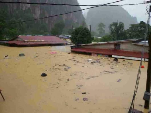 Malezja i Tajlandia - Największa powódź w historii tych krajów, ewakuowano 160 tysięcy osób 4