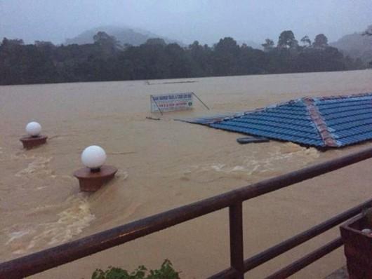 Malezja i Tajlandia - Największa powódź w historii tych krajów, ewakuowano 160 tysięcy osób 5