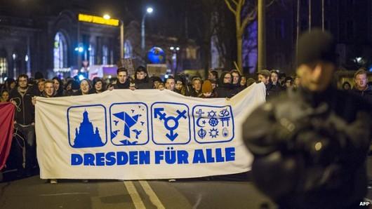 Niemcy wychodzą na ulice, chcą zwrócić uwagę na zagrożenie islamizacji Zachodu 1