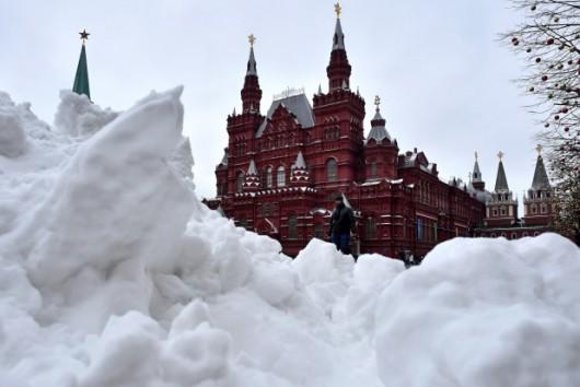 Rosja - Burza śnieżna nad Moskwą, całe miasto zakorkowane 3