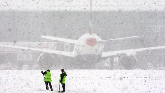 Rosja - Burza śnieżna nad Moskwą, całe miasto zakorkowane