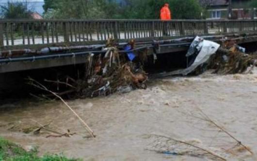 Rumunia - Przez ulewne deszcze ucierpiało 140 miejscowości 3