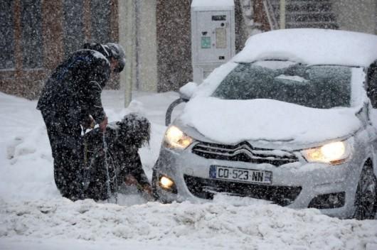 Sabaudii, Francja - 15 tysięcy samochodów utknęło w Alpach 2