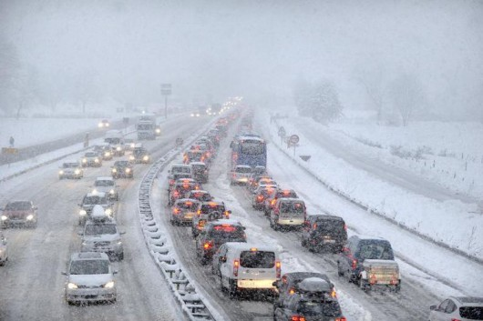 Sabaudii, Francja - 15 tysięcy samochodów utknęło w Alpach 3