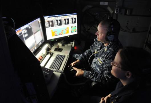 Sterowanie bronią laserową najwyraźniej odbywa się za pomocą pada podobnego do tych z konsoli do gier