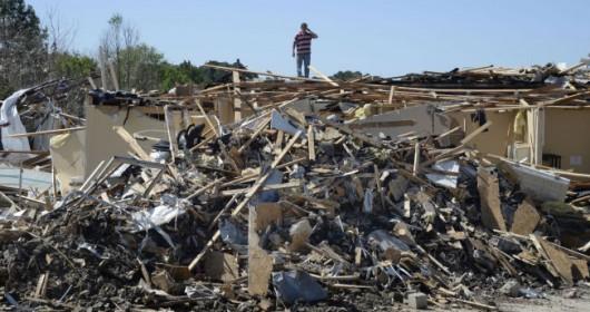 USA - Potężne tornado w Mississippi 2