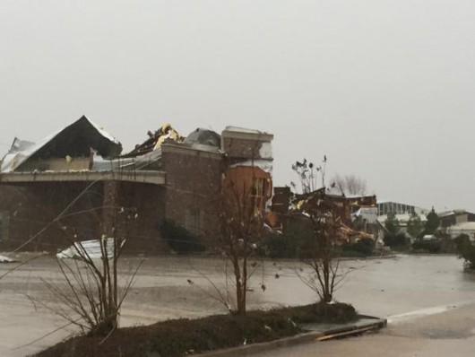 USA - Potężne tornado w Mississippi 4