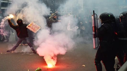 Włochy - Dzień strajku generalnego, zamieszki w Rzymie, Mediolanie i Turynie 1