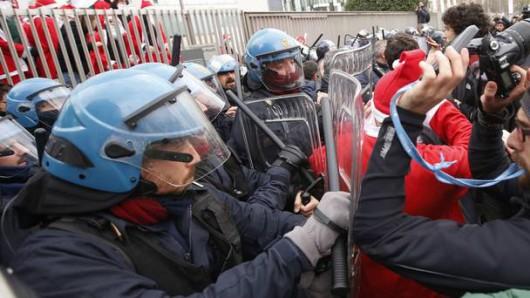 Włochy - Dzień strajku generalnego, zamieszki w Rzymie, Mediolanie i Turynie 2