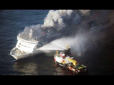 Włochy - Pożar na promie na Morzu Jońskim 4