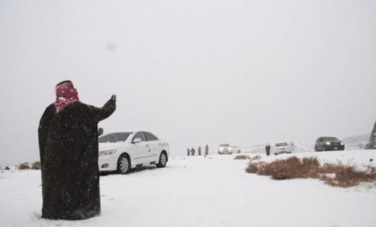 Arabia Saudyjska - Na pustyni mocno sypnęło śniegiem 4