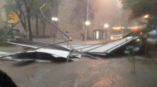 Argentyna - Bardzo silna i krótka nawałnica przeszła przez miasto Resistencia