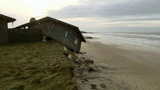 Dania - Po sztormie domy zsuwają się do morza 2
