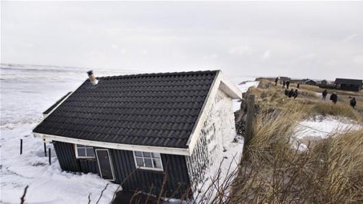 Dania - Po sztormie domy zsuwają się do morza