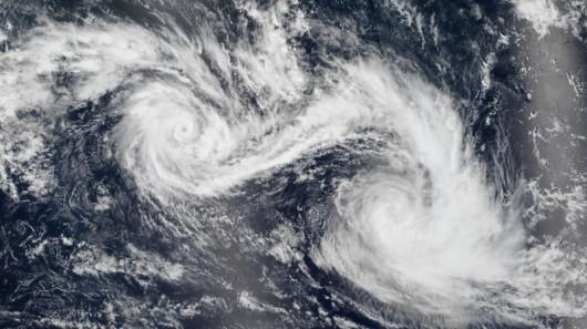 Dwa huragany na Oceanie Indyjskim