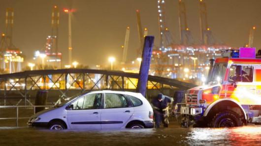 Hamburg, Niemcy - powódź 2
