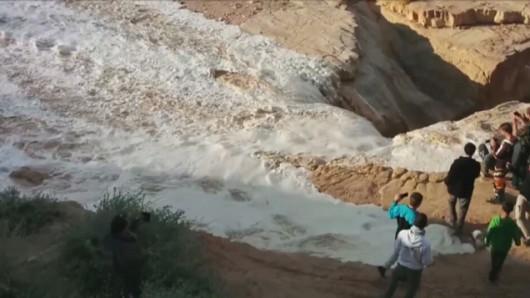 Izrael - Deszcze w okolicach pustyni Negew spowodowały odrodzenie się rzeki Zin 4