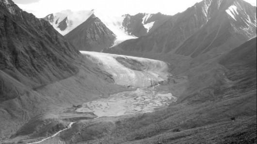 Lodowiec Okpilak w 2004 roku - Alaska