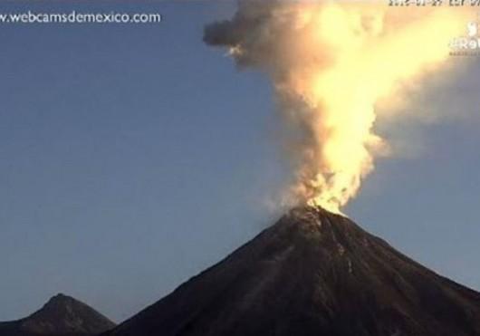 Meksyk - Erupcja wulkanu Colima