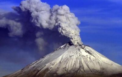 Meksyk - W ciągu doby doszło do kilku erupcji wulkanu Popocatepetl
