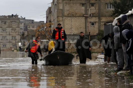 Strefa Gazy - Temperatura bliska zeru i silne opady deszczu