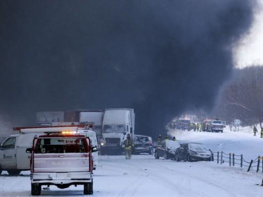 USA - 120 samochodów zderzyło się na jednej z autostrad