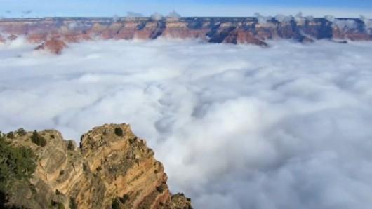 USA - Bardzo rzadkie zjawisko wystąpiło drugi raz w ciągu miesiąca, Wielki Kanion wypełniony parą wodną