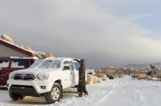 USA - Chłodny front znad Kanady przyniósł długo wyczekiwany śnieg w Kalifornii