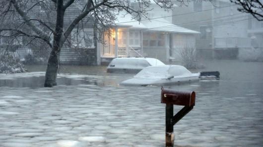 USA - Roztapiający się śnieg zatapia Massachusetts 4
