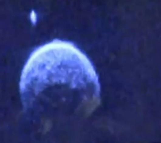 Wokół planetoidy 2004 BL86, która wczoraj przeleciała blisko Ziemi krąży księżyc o średnicy 70 metrów
