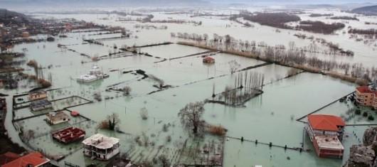 Albania - Ulewne deszcze na południu kraju i największa od 40 lat powódź 2