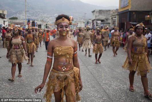 Haiti - 20 osób zginęło, a 60 zostało rannych na skutek porażenia prądem na karnawale 6