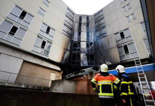 Holandia - Pożar apartamentowca w Nijmegen 2