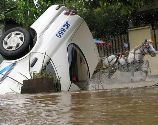 Indonezja - Powódź w Dżakarcie, 6 tysięcy osób ewakuowanych 1
