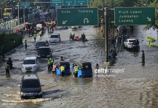 Indonezja - Powódź w Dżakarcie, 6 tysięcy osób ewakuowanych 3