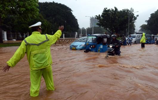 Indonezja - Powódź w Dżakarcie, 6 tysięcy osób ewakuowanych 4