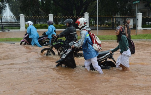 Indonezja - Powódź w Dżakarcie, 6 tysięcy osób ewakuowanych 6