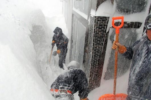 Japonia - Śnieg zasypał wyspę Hokkaido, spadły prawie 2 metry białego puchu 5