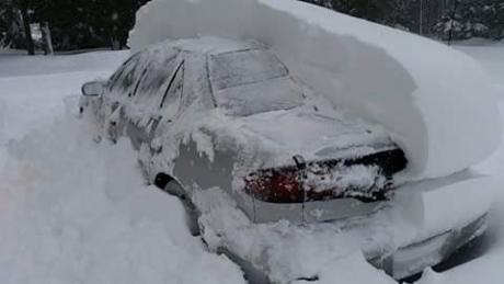 Kanada - Śnieg po dachy domów 2