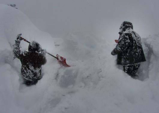 Kanada - Śnieg po dachy domów 6