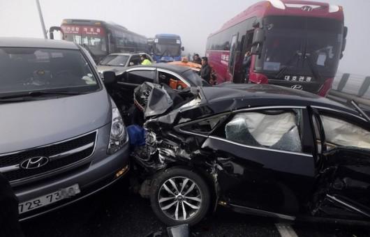 Korea Południowa - Prawie 100 aut zderzyło się w gęstej mgle pod Seulem 3
